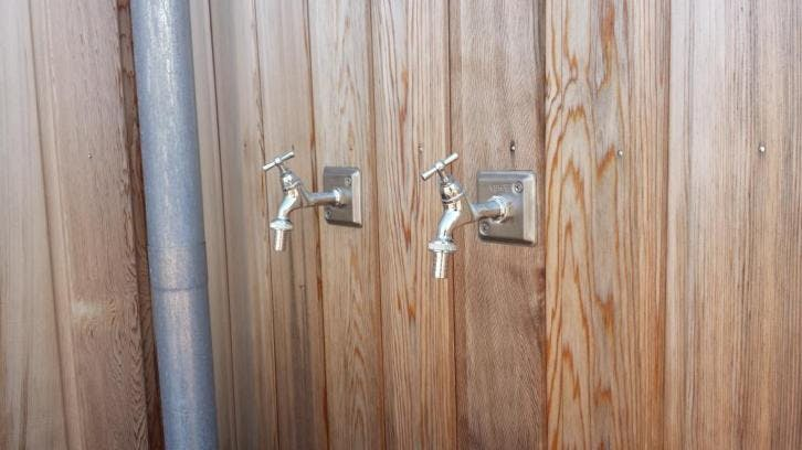 Favoriete Buitenkraan laten plaatsen en aanleggen in uw voor- of achtertuin? UP55