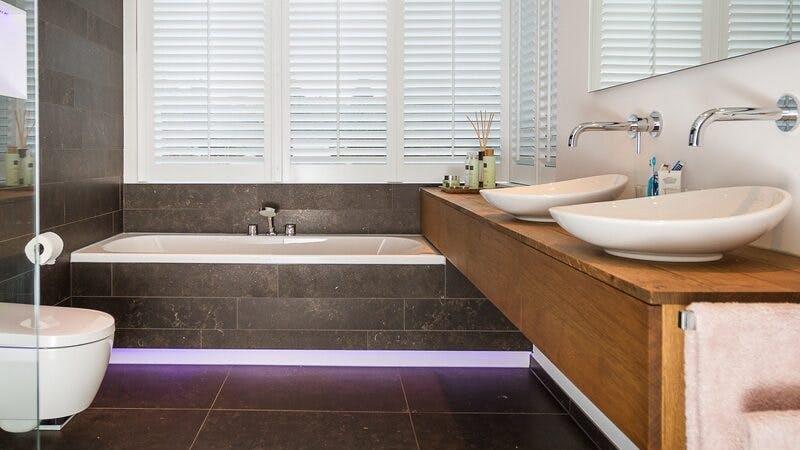 nieuwe badkamer installeren